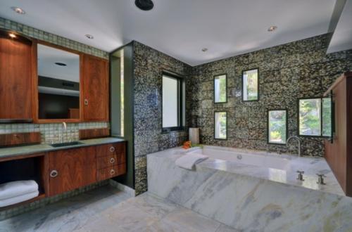 Badezimmer-Designs-im-asiatischen-Stil-holz-möbel-fenster