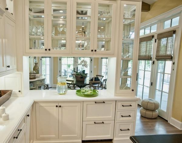 Beleuchtung für die Küche eklektisch glastüren küchenschrank