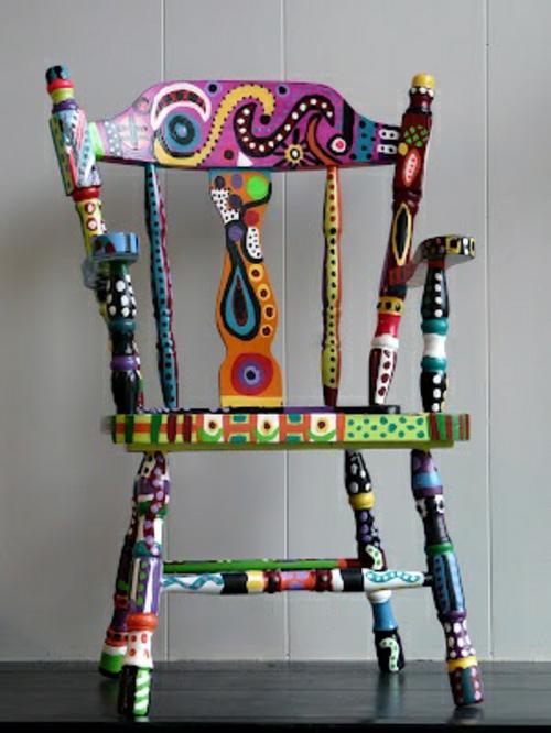 bunt bemalte m bel zum selbermachen f r mehr farbe zu hause. Black Bedroom Furniture Sets. Home Design Ideas