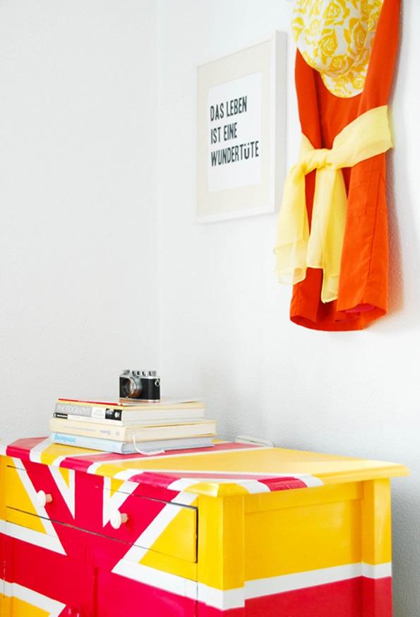 DIY dekorative Projekte englisch flagge kühne farben kommode