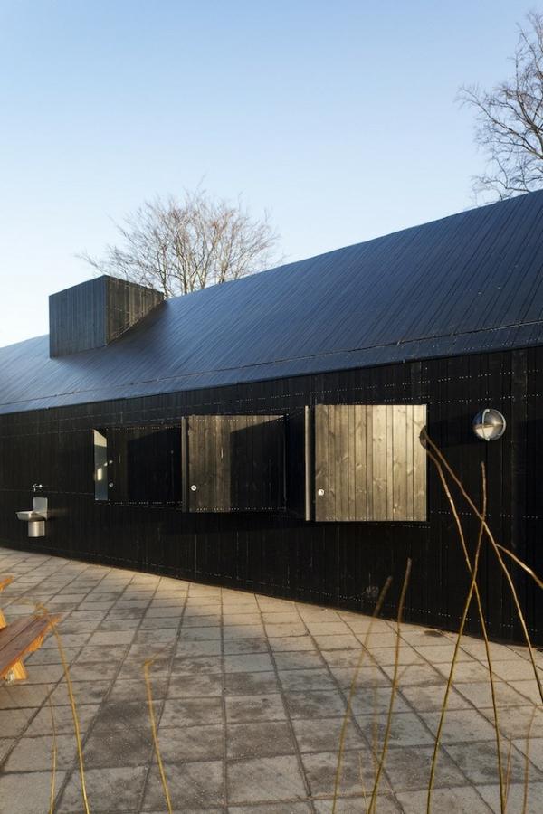 Designer Haus Mit Verspiegelter Fassade In Kopenhagen Gelegen Glas Fassade Spiegelfassade Baumhaus