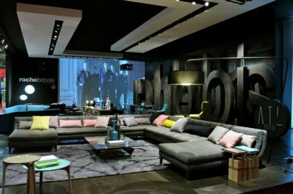 Designer Möbel Sammlung bunt kissen sessel sofas liegen tisch