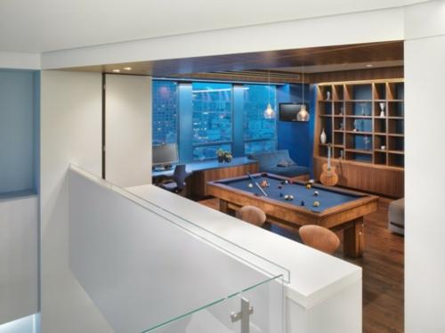 Designer Spielraum mit Billard spieltisch beleuchtung glas regale wand