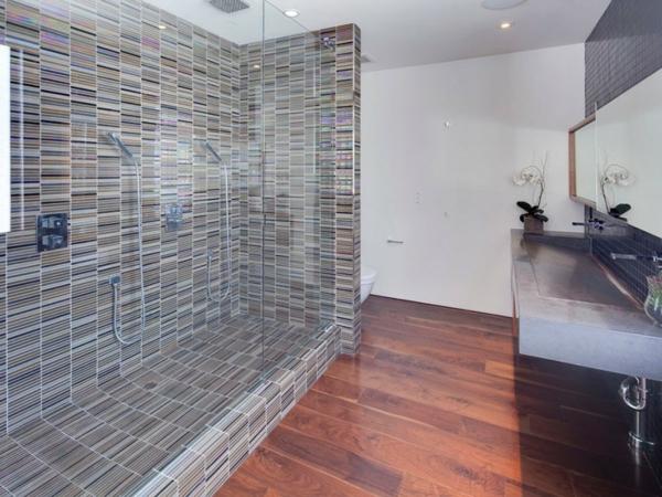 Eine herrliche immobilie eleganz fliesen badezimmer duschkabine