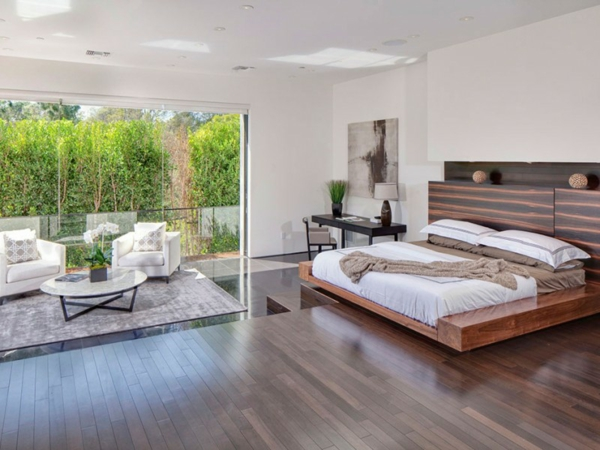 Eine herrliche immobilie schlafzimmer bett fußboden
