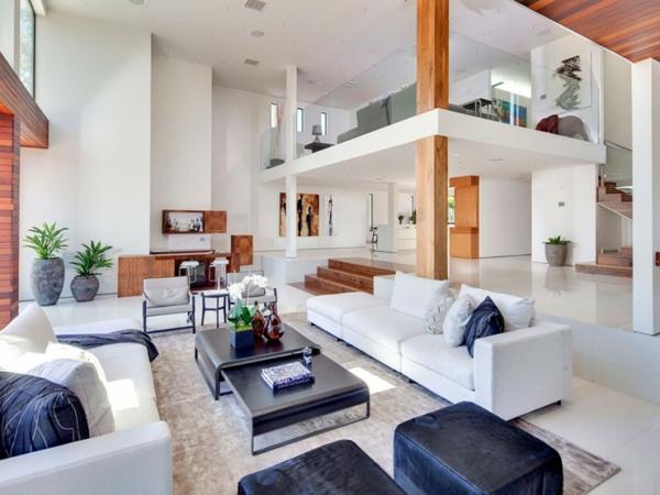 Eine herrliche Residenz wohnbereich weiß schwarz möbel kombiniert