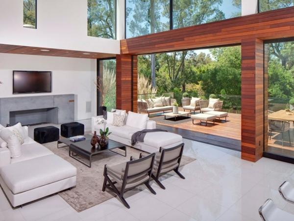 Eine herrliche Residenz wohnzimmer glas fenster raumhoch