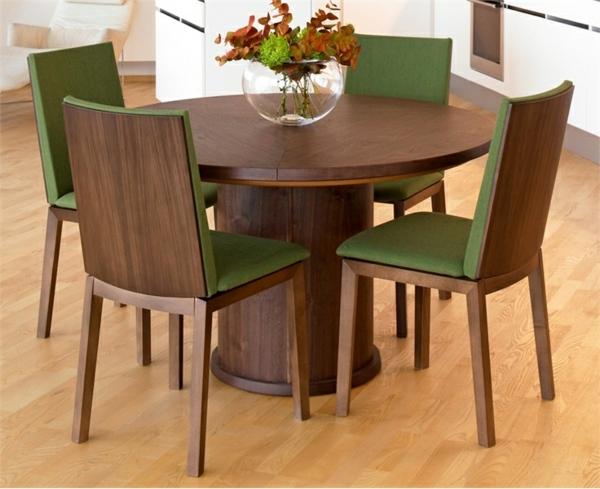 Einmaliges Esszimmer mit neuen Stühlen grün polsterung weich