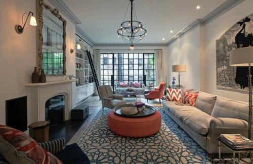 Gemütliches Wohnzimmer einrichten einbaukamin teppich sofas fenster tisch