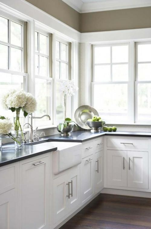 Granitplatten in hervorragenden Küchen blumen frisch obst schubladen