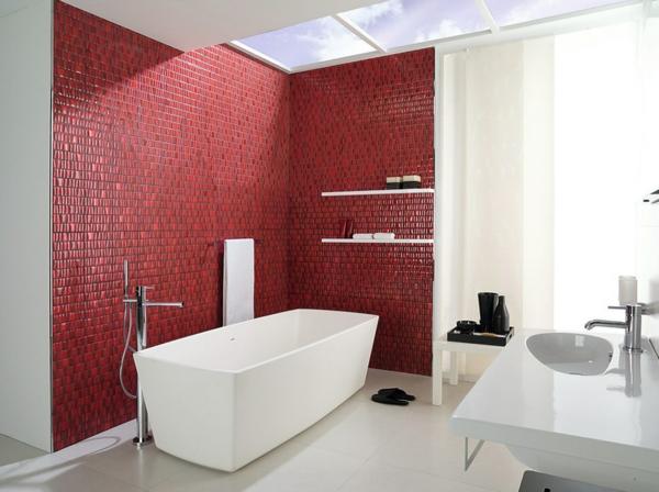 Inneneinrichtung in Weiß holz bodenbelag rot fliesen badezimmer kontrast