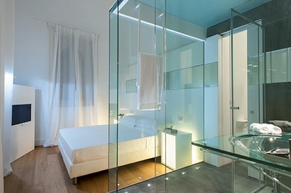 Klassische Architektur und modernes Hotel Design glaswände badezimmer