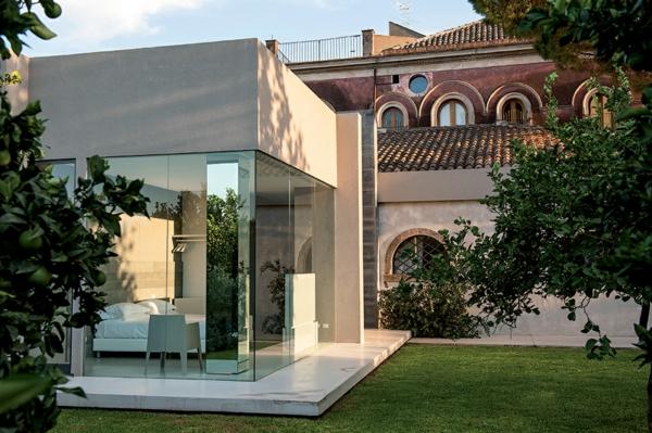 Klassische Architektur und modernes Hotel Design glaswände