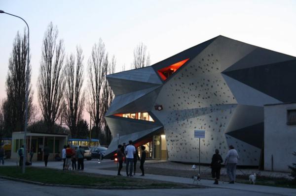 Kulturzentrum  Sportzentrum dach aussicht fassade