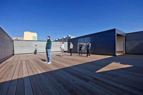 Kulturzentrum Sportzentrum dach holz bodenbelag