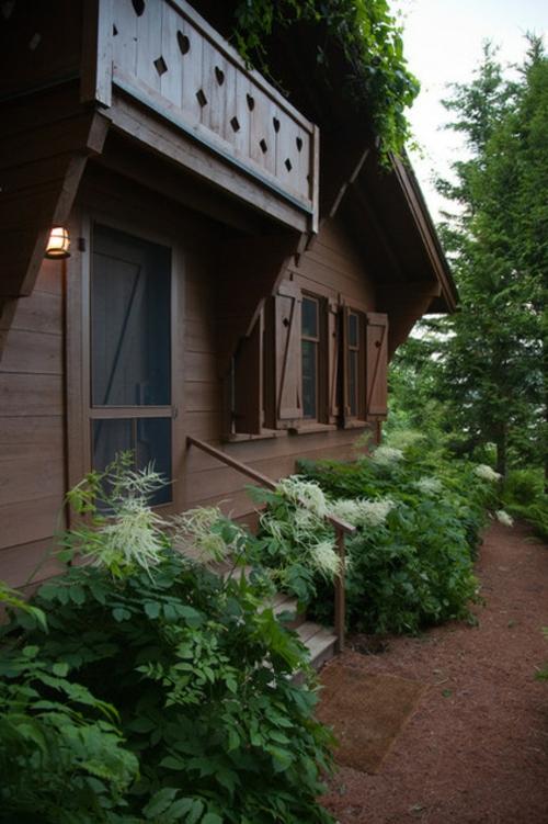Landschaftsarchitektur mit nachhaltig gewonnenem Holz berghütten