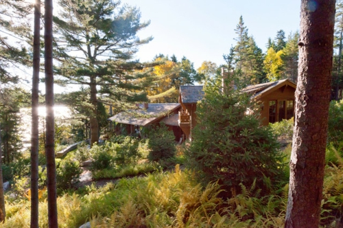 Landschaftsarchitektur mit nachhaltig gewonnenem Holz hütten