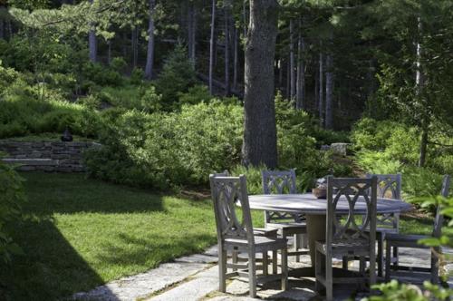 Landschaftsarchitektur und Design mit nachhaltig gewonnenem Holz möbelstücke