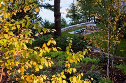 Landschaftsarchitektur und Design mit nachhaltig gewonnenem Holz sitzecke