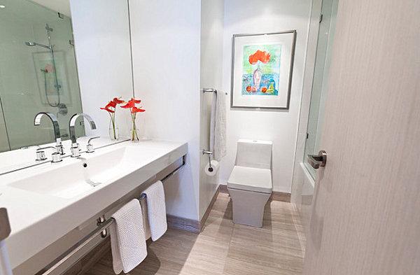 Luxus Badezimmer Ideen badfliesen lebhaft orange weiß einrichtung blumenstrauß