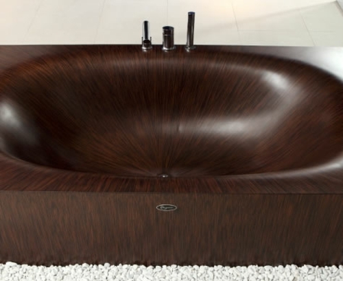 innovative Badewanne aus Holz originell design dunkle oberfläche