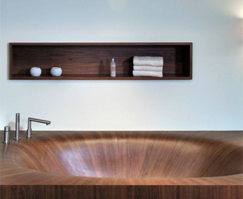 Moderne Badewanne aus Holz originell design innovativ eingebaut