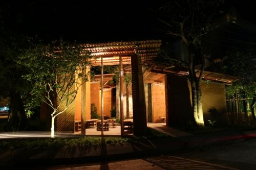 Gartenhäuser aus Bambus und Stein garten