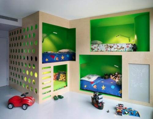 Neues Bett im Schlafzimmer kinderzimmer spielzeuge