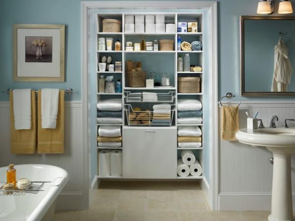 Ordnung im Haus schaffen badezimmer wäscheschrank badewanne