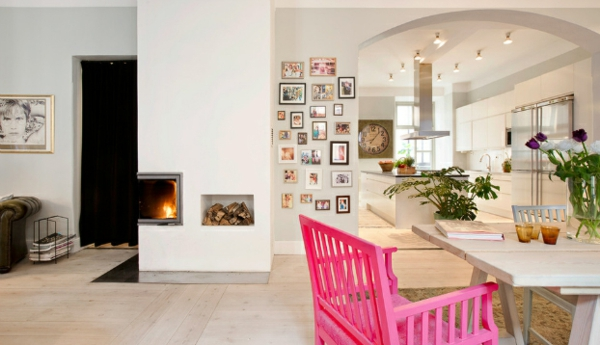 Skandinavisches interior design mit bunten touches - Designer holzstuhl ...