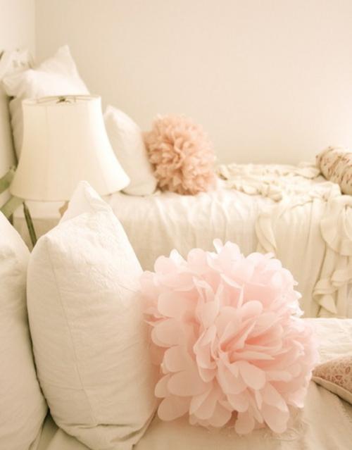 Souvenirs ihrer Hochzeit papier herz nette deko schlafzimmer