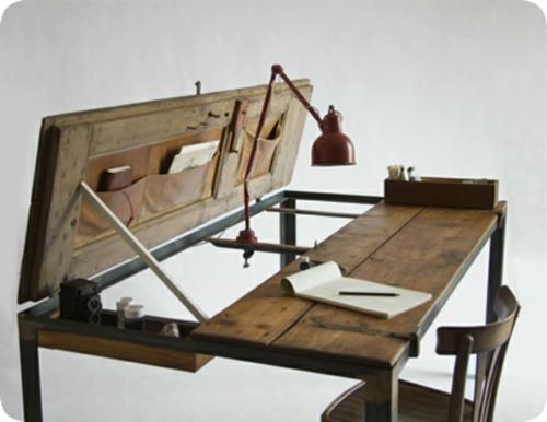 Vintage Schreibtische in Ihrem Homeoffice Büro holz platten tischlampe