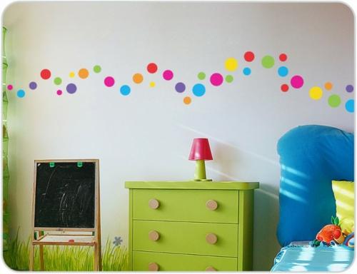 Wanddekoration Mit Bunten Punkten Getupftes Design Wieder In Mode