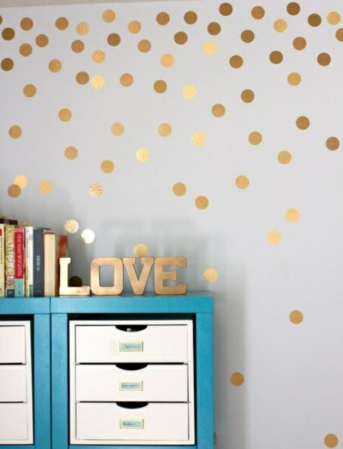 wanddekoration mit bunten punkten getupftes design. Black Bedroom Furniture Sets. Home Design Ideas