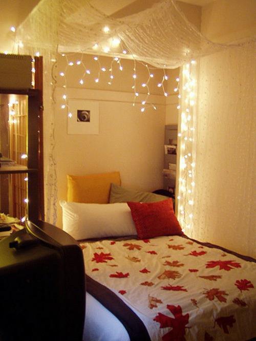 festliche lichter im Schlafzimmer bettwäsche blätter herbst