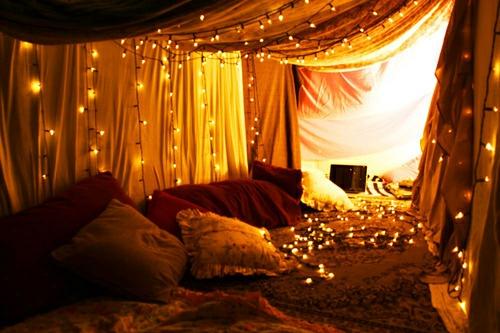 15 Coole Deko Ideen Für Weihnachtsbeleuchtung Im Schlafzimmer ...