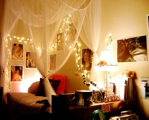 Charmant 15 Coole Deko Ideen Für Weihnachtsbeleuchtung Im Schlafzimmer ...