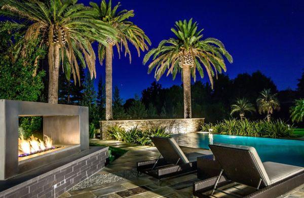 wohnideen fr feuerstellen am pool exotisch liegen nachts - Eine Feuerstelle Am Pool