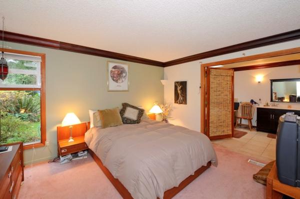 attraktives gästezimmer design kirschholz helle nuancen