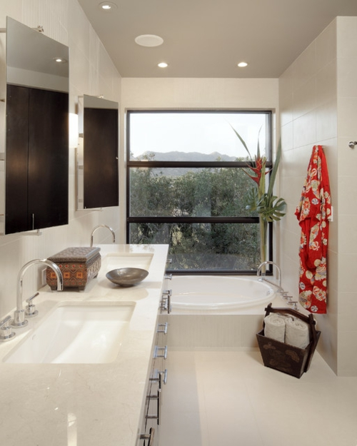 badezimmer-weiß-einrichtung-waschbecken-platte-marmor-korb