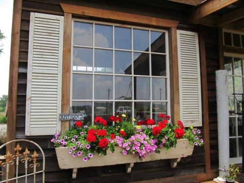 Fensterbank Holz Befestigen ~ förmige Klemmen, befestigt mit Holzstiften unter der Fensterbank