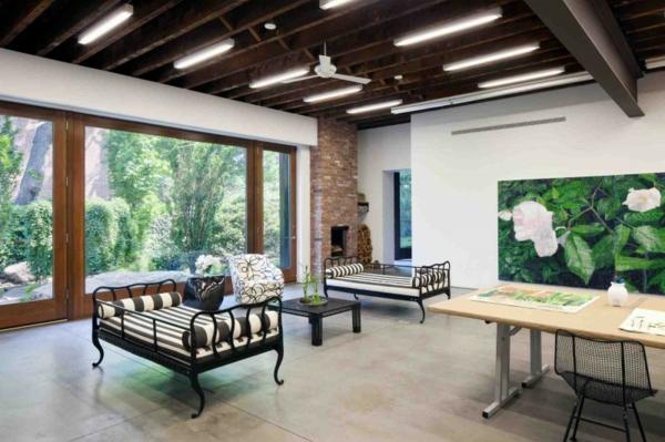 brooklyn studio massive hohe decke mit offenen balken und ventilatoren