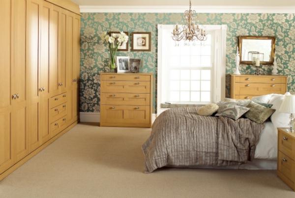 coole Ideen fürs Schlafzimmer Design warm braun tapeten muster blumen