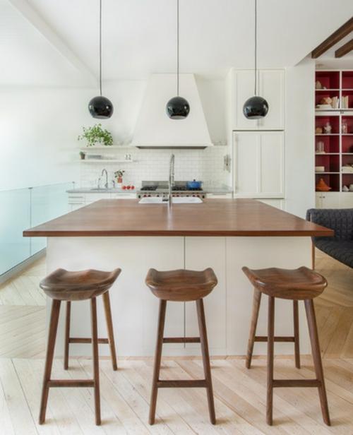coole wandgestaltung farben kücheninsel in weiß barstühle aus nussbaumholz