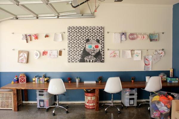 das eigene büro zu hause mit viel kleinkram