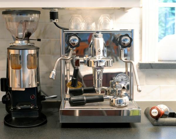 das eigene cafe im haus glänzende espresso maschine
