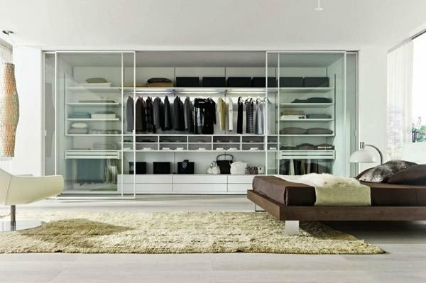 den kleiderschrank organisieren durchsichtig in weiß