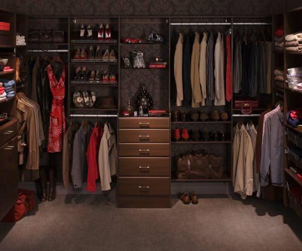den kleiderschrank intelligent organisieren retro stil