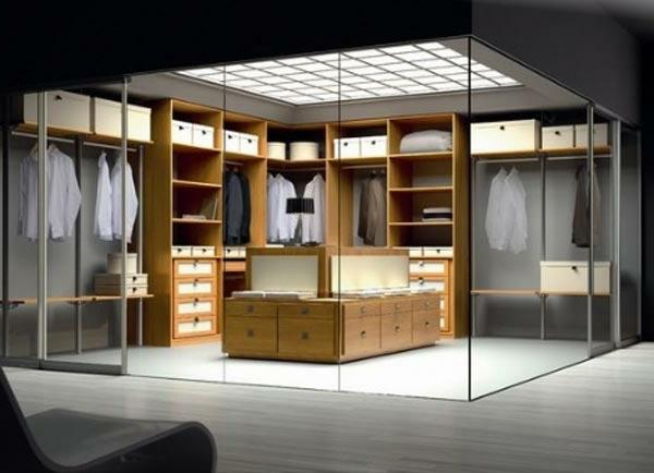 den kleiderschrank intelligent organisieren teakholz viel glas mit dachfenster