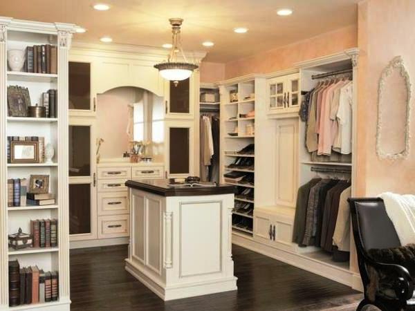 den kleiderschrank intelligent organisieren traditionelles design in weiß